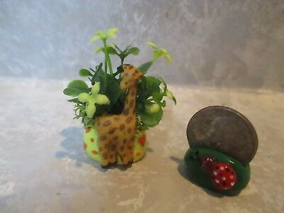 "TINY Miniature Shadowbox/Doll 1 3/4""h Giraffe Yellow Planter with hearts/floral"