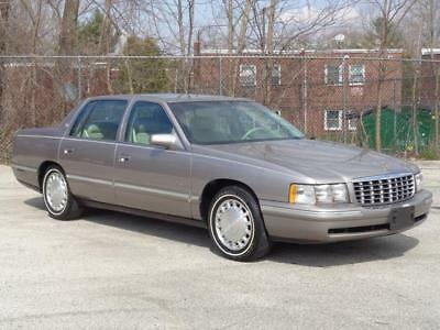 1998 Cadillac DeVille SERVICED! LOADED! 2ND-OWNER! CLEAN CARFAX! 54K Mls NO RESERVE 2 KEYS 2 REMOTES KEYLESS ENTRY EXTRA CLEAN RUNS DRIVES GREAT