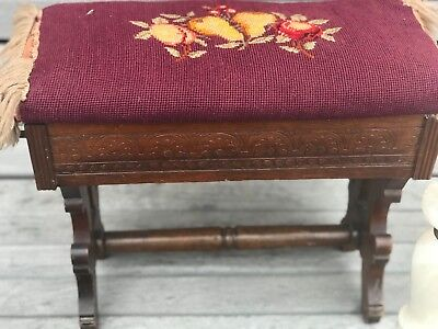 FOOT STOOL OTTOMAN BOX NEEDLE POINT TOP VICTORIAN EASTLAKE ANTIQUE (1880's)