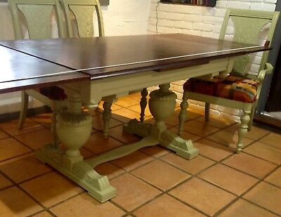 Antique refurbished solid oak table and 6 chairs (2 carvers). Re-coverd & padded