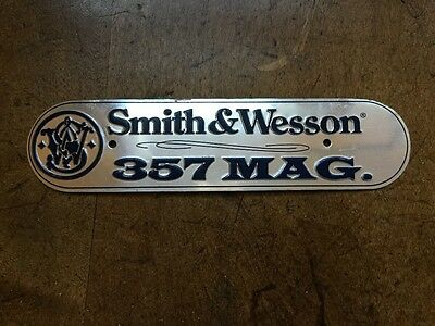 NICE Vintage SMITH WESSON Pistol Rifle Metal Gun SIGN Bullet Ammo Tag 357 Magnum