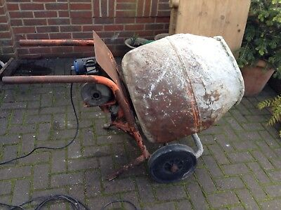 electric cement mixer..240volts..rubber Wheels.large Capacity Drum..GWO