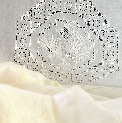 ARMY NAVY STUNNING VINTAGE LINEN BANQUET TABLECLOTH w/ LACE & EMBROIDERY TT670