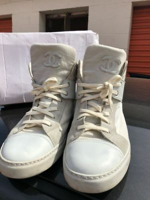 8aab3b04e68c4 Auth Chanel Signature CC White High Top LTD Sneakers Men Trainer 44 US 11   925