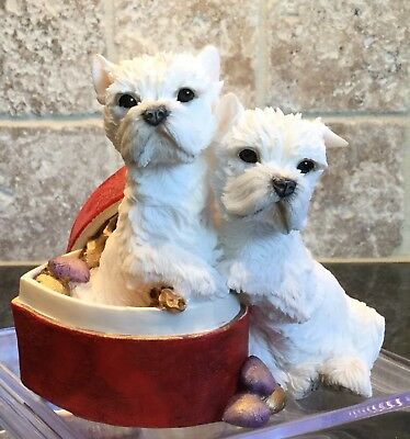 2001 COUNTRY ARTISTS Resin Terrier Dogs FIGURINE: Westie Pair in Heart Box 02260