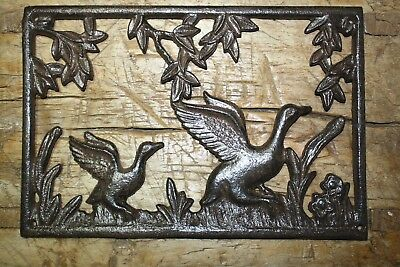 Cast Iron DUCK Plaque Sign DUCKS Home Garden Wall Decor Stepping Stone