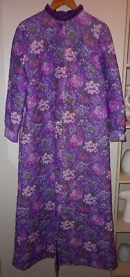 VINTAGE CLASSIC 1960s  DRESSING GOWN  SIZE 12 GOOD CONDITION