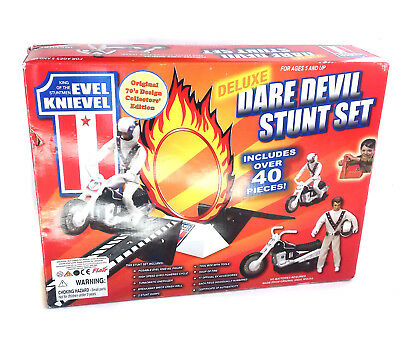EVEL KNIEVEL Deluxe DareDevil Stunt Set toy Figure Cycle Launcher & box, EVIL