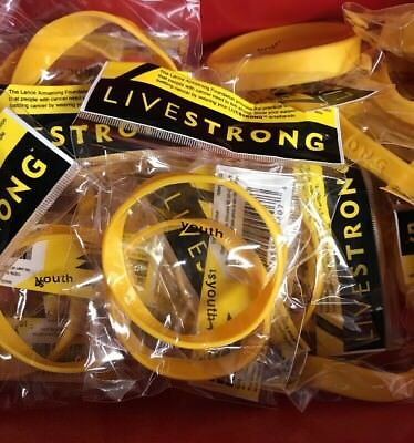 NIKE Live Strong Lance Armstrong Foundation Rubber YOUTH Wristband