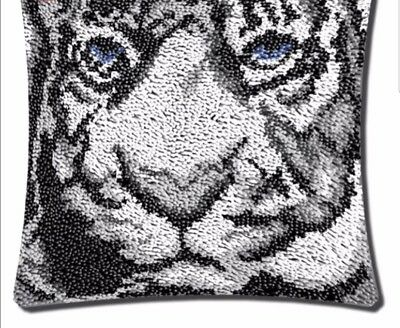 Eye of the tiger Latch Hook  Needlecrafts Gift 43cm x43cm Cushion Cover