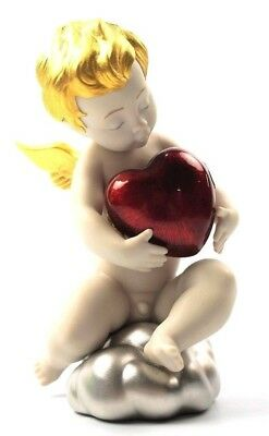 Valentine Lladro Legend Collection Angel Of Love Red Heart