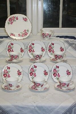 "Vintage Royal Vale ""Sweet Pea"" 20 Piece Tea Set 1960's"