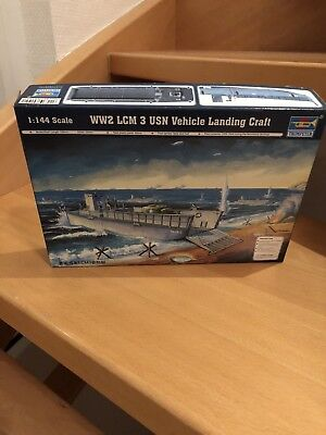 NEUER Trumpeter Bausatz LCM USN Vehicle Landing craft 1:144