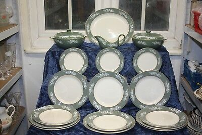 Lord Nelson Pottery Dinner Service 21 Pieces Green Border With White Leaves