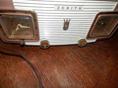 Vintage Zenith Model A515L Radio for Parts or Restore