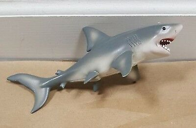 collect a..................ce great white shark figure 8 inch loose