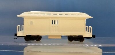 Z Scale Overton Undec Unassembled Baggage Kit (trucks/couplers not included)