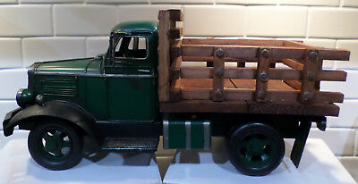 Handpainted Green Metal Wood Farmers Market Vintage Old Style Truck Home Decor