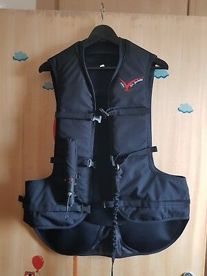 point 2 air jacket / protection. size Large. mint condition + 3x co2 canisters