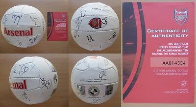2015-16 Arsenal Squad Signed Football Official COA inc. Ozil Ramsey Cech (12503)