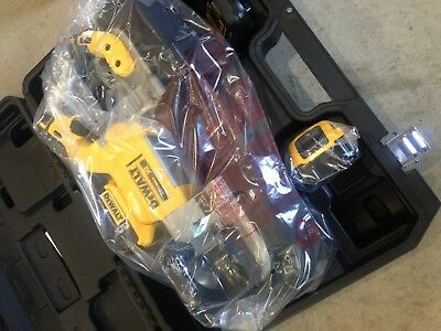 NEW DEWALT DCS374P2 20V MAX XR Brushless Deep Cut Band Saw Kit