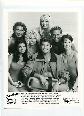 Baywatch-David Hasselhoff and Gena Lee Nolin-8x10-B&W-Still