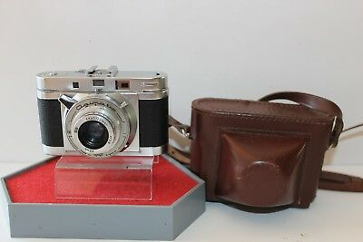 AGILUX 35mm FILM CAMERA WITH BROWN LEATHER CASE