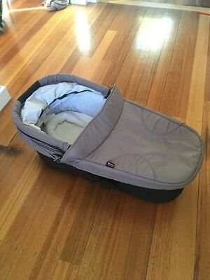 Britax Strider Compact Bassinet for Pram