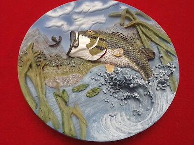 """Largemouth Bass 8"""" Plate wall Hanging 3-D relief Clay Hand Painted"""