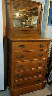 Beautiful Antique 6 Drawer Dresser With Mirror Great Condition