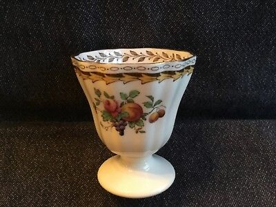 Spode Copeland's Egg Cup produced for Harrods in 'Rockingham' Design