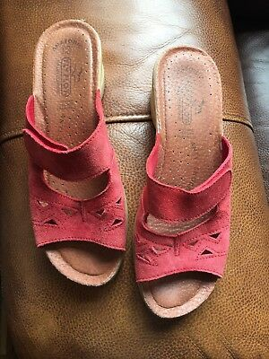 f97c20e9818972 FLY FLOT WOMANS Red Suede Mules,size 7 - £4.99 | PicClick UK