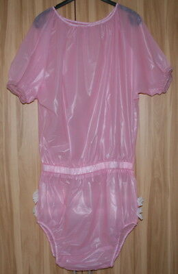PVC Adult Baby Body,  rosa transparent mit Rüschen Gr. 3XL