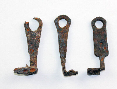 *SC*NICE LOT OF 3 ROMAN IRON KEYS, 1st.-3rd. century AD!!