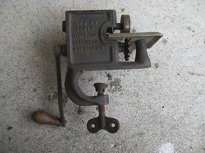 Antique Cast Iron CLEAN CUT South Richland Machine Co. PINKING CUTTER