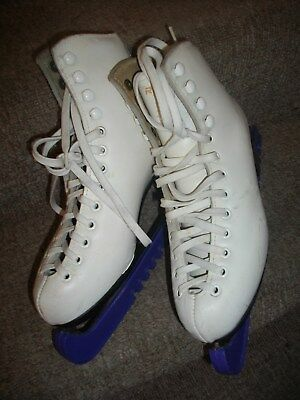 Ladies/Girls Ice skateing boots Risport star size 4