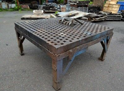 5'x5' Acorn Table with 6 Clamps (Inv.38540)