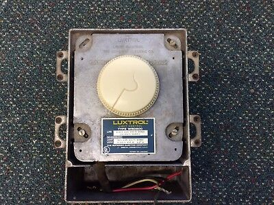 Luxtrol Model WBD 800 light dimmer by Superior Electric
