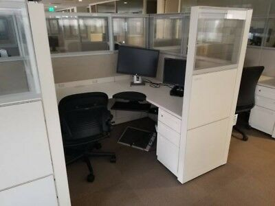 Nice Steelcase 5'x5' Office Cubicles Workstations -Lots Of Glass!