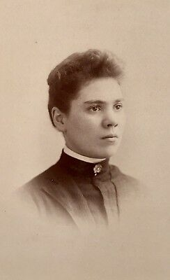 Antique Pretty Young Lady Teen Girl CABINET CARD PHOTO Muskegon Michigan
