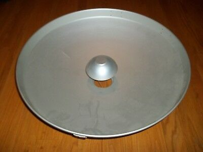 "24"" Soft Light Reflector for a Photogenic 3.5"" light base - Excellent Condition"
