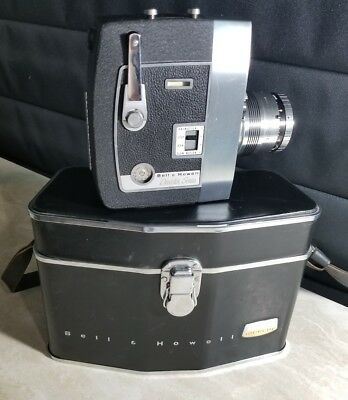 Vintage Bell &Howell Director Series Zoomatic 8mm Film Movie Camera