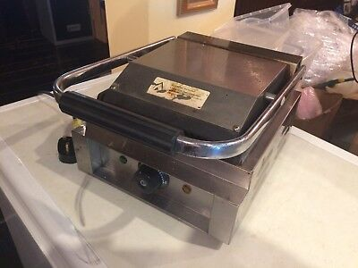 Electric Panini Grill / Contact Grill / Sandwich Press / Toastie Maker