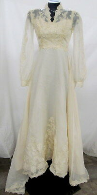"""Vintage Ivory Long Sleeve Lace Wedding Dress With Fascinator Veil Size 31"""" Chest"""