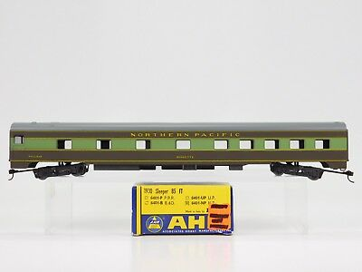HO Scale ahm Rivarossi 6401-NP Northern Pacific 10-6 Sleeper Passenger Roomette