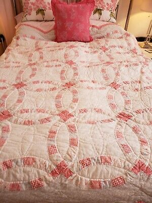 Sweet Vintage double wedding ring quilt pink 68 X 80-Shabby cottage chic-