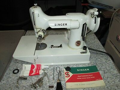 Vintage Antique White Singer Featherweight 221 Sewing Machine With Box FA229438
