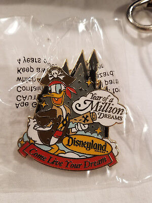DISNEY DONALD Duck Pirate Rubber Ducky Tub Bath Toy Collectible 3.5 ...