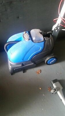 Truvox Solaris scrubber dryer ssd400 used condition full working order.