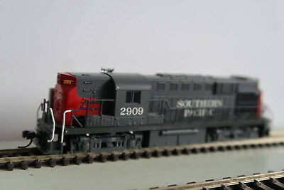 Atlas RS11 Southern Pacific #2909 with DCC